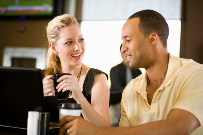 People_drinking_coffee